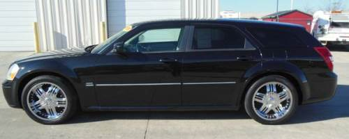 2005 dodge magnum rt 5 7l v8 delinte tires for sale fort dodge iowa. Black Bedroom Furniture Sets. Home Design Ideas