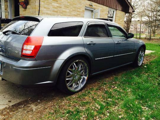 2006 dodge magnum r t v8 w custom wheels for sale in des moines iowa. Black Bedroom Furniture Sets. Home Design Ideas