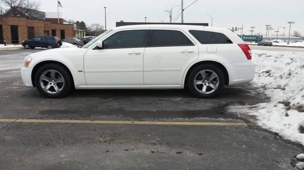 2006 Dodge Magnum SXT For Sale in Chicago, Illinois