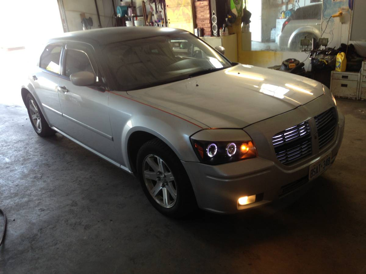 2006 dodge magnum rt 3 5 v6 for sale in oshawa toronto ontario. Black Bedroom Furniture Sets. Home Design Ideas