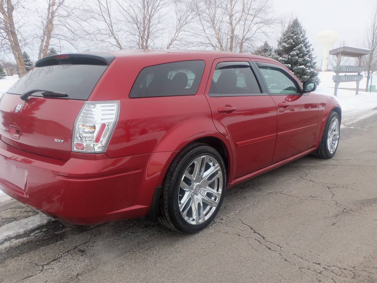 2005 Dodge Magnum SXT 6cyl Auto For Sale in Frankfort ...
